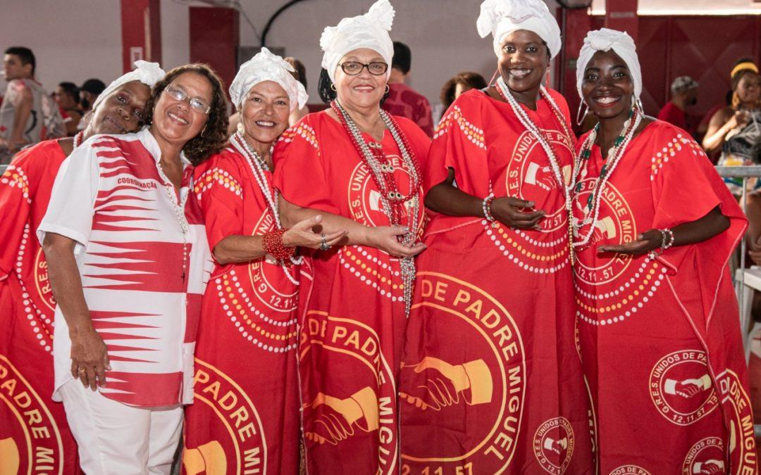 UNIDOS DE PADRE MIGUEL REALIZA FESTA DAS BAIANAS