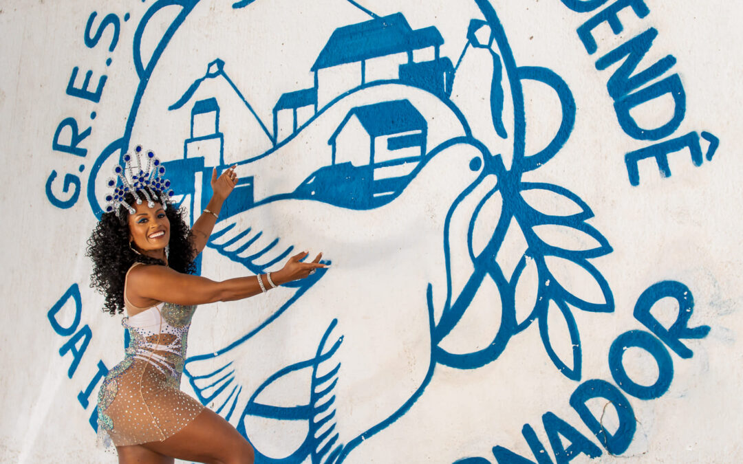VIVIANE D'SOUSA É A NOVA RAINHA DE BATERIA DO ACADÊMICOS DO DENDÊ