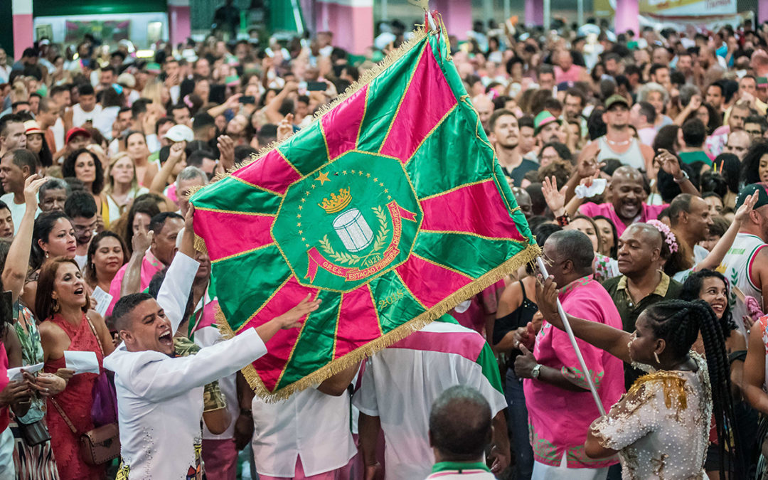 "ENREDO MANGUEIRA 2020: ""A VERDADE VOS FARÁ LIVRE"""